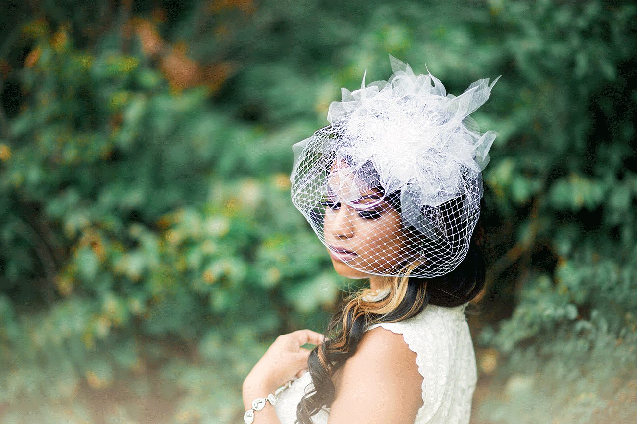 Bridal accessories veil by Ilieana George Couture. Photo by Roxana Silva Photography